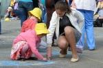 Конкурс рисунков на асфальте в День защиты детей. Фото_16