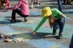 Конкурс рисунков на асфальте в День защиты детей. Фото_30