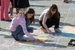 Конкурс рисунков на асфальте в День защиты детей. Фото_32