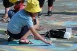 Конкурс рисунков на асфальте в День защиты детей. Фото_34
